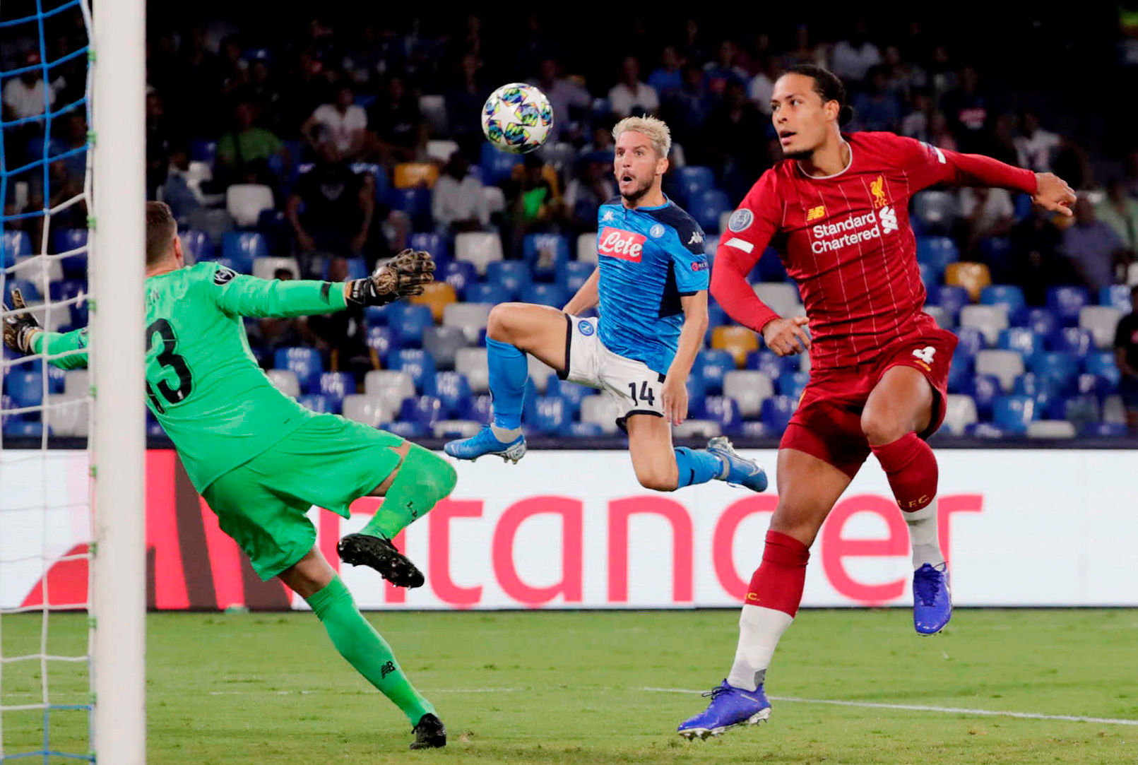 ليفربول ضد نابولى  (11)