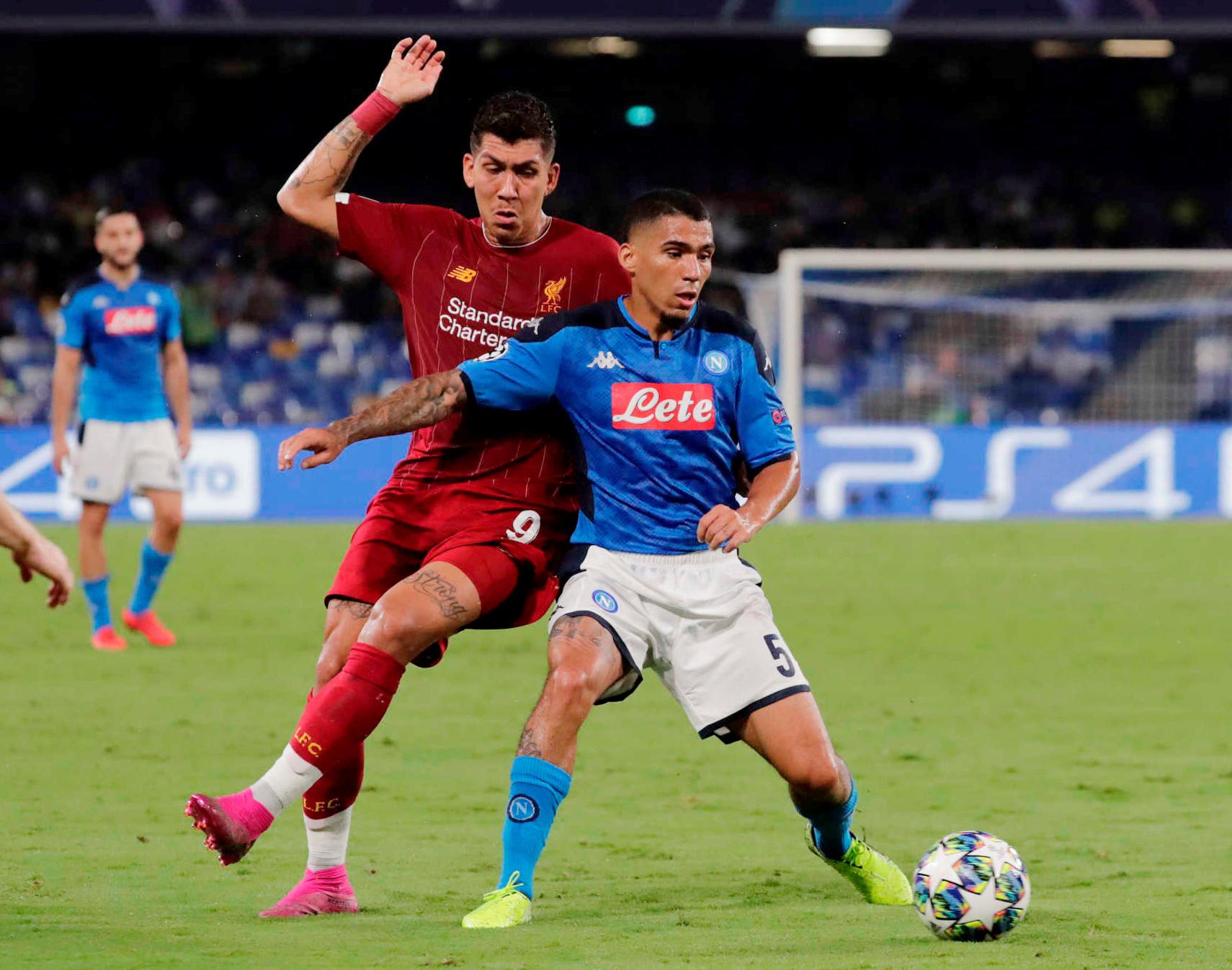 ليفربول ضد نابولى  (2)