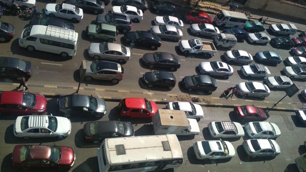 زحام مرورى بسبب تكدس السيارات
