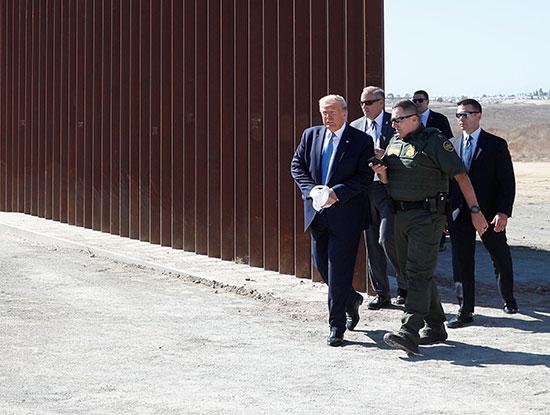 ترامب يزور السياج الفاصل