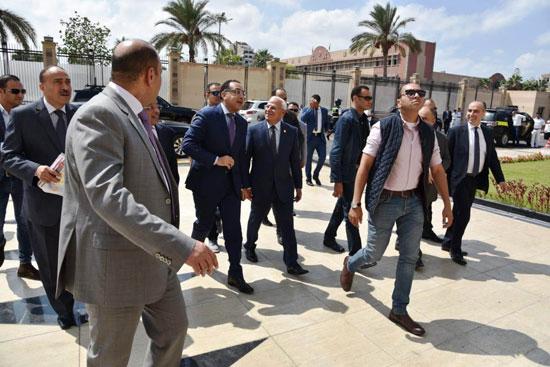 بدء اجتماع مجلس المحافظين فى محافظة بورسعيد برئاسة مصطفى مدبولى (1)