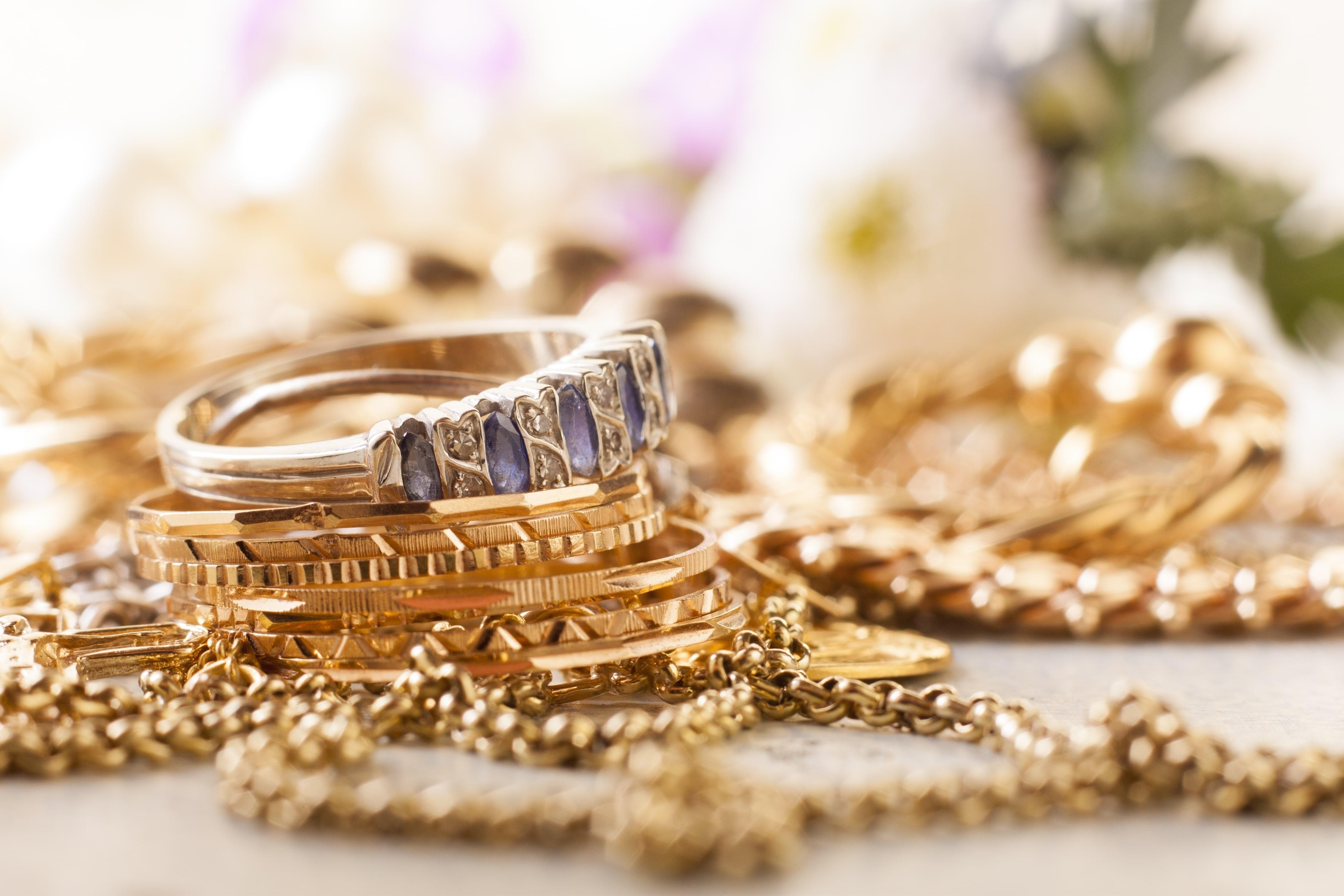 لتنظيف المشغولات الذهبية والأحجار الكريمة (1)