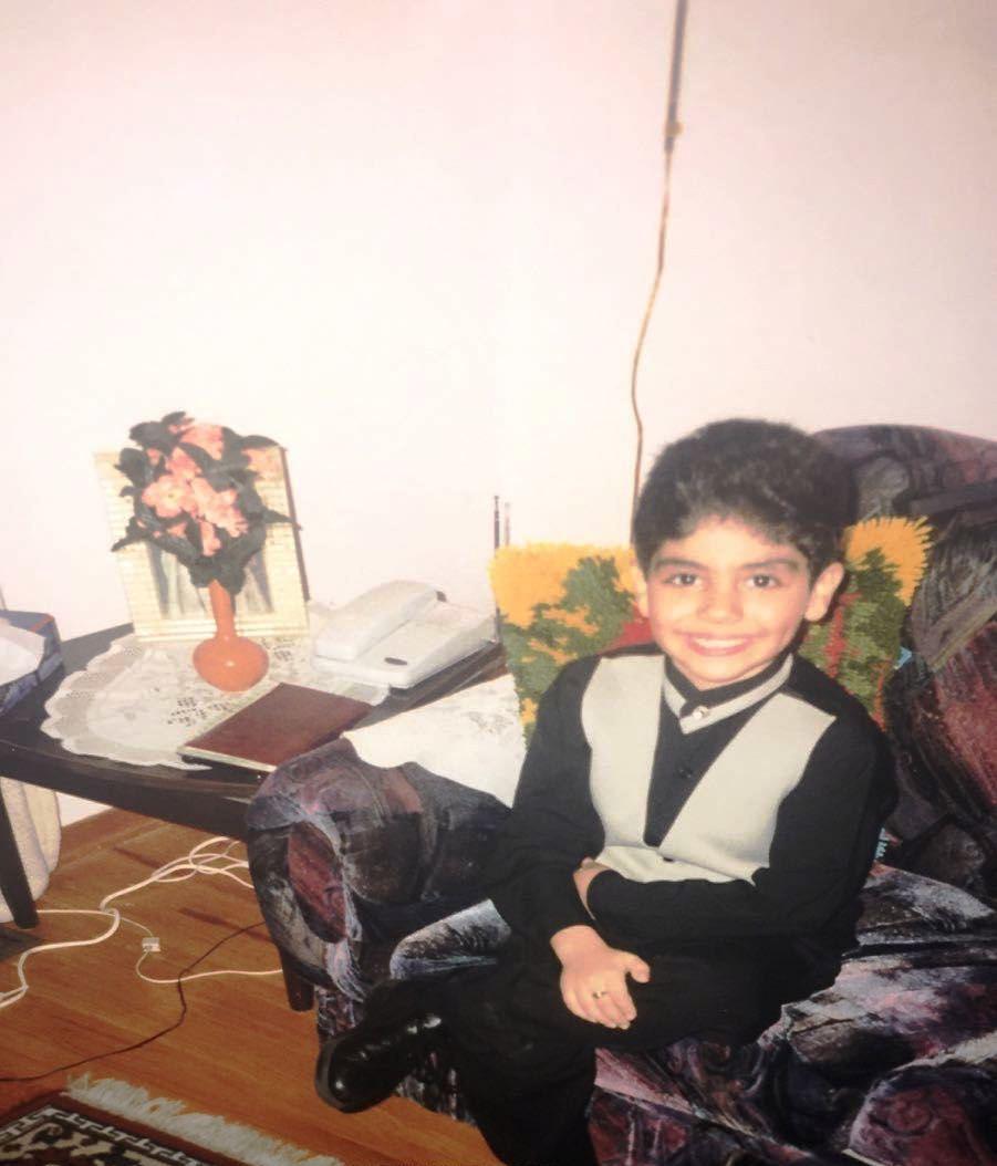 صورة نادرة للفنان العالمى مينا مسعود فى طفولته