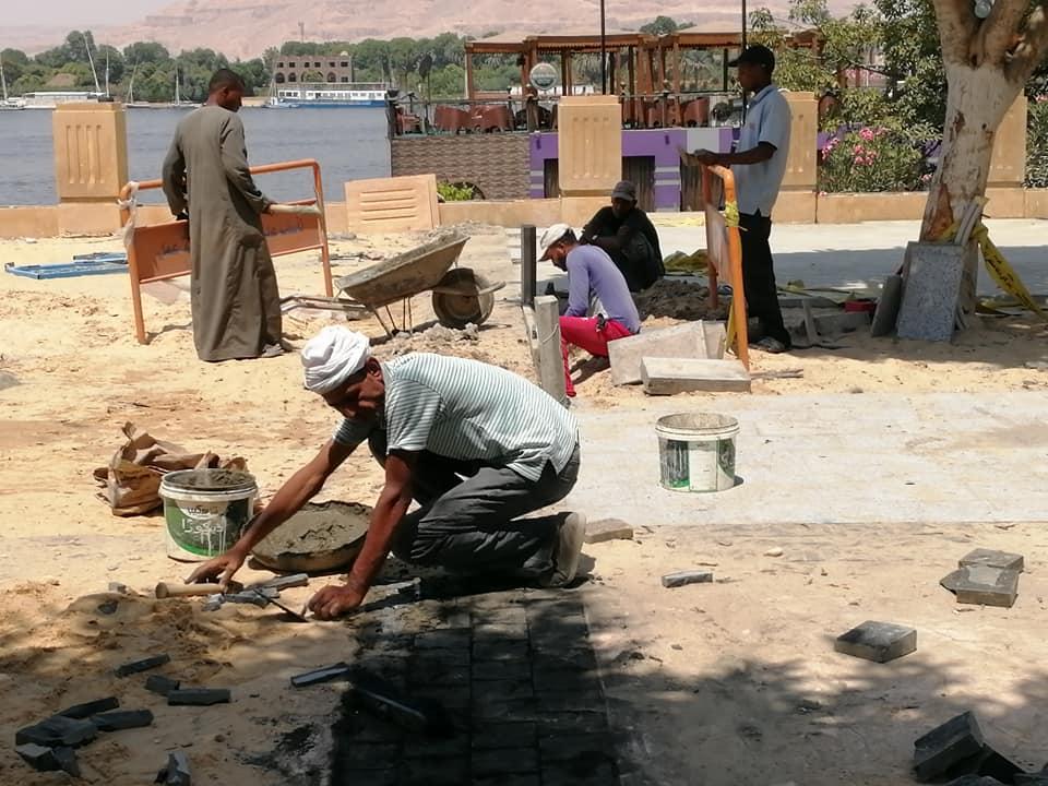 رئيس مدينة الأقصر خطة عاجلة لتطوير شوارع مرحباً ومحمد فريد ضمن خطة تطوير كورنيش النيل (3)