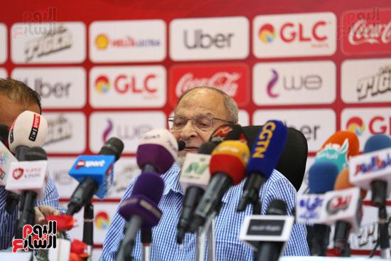 طه اسماعيل يتحدث فى المؤتمر الصحفي