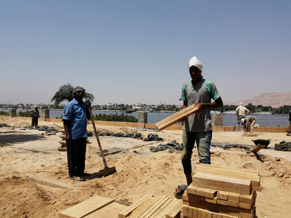 رئيس مدينة الأقصر خطة عاجلة لتطوير شوارع مرحباً ومحمد فريد ضمن خطة تطوير كورنيش النيل (2)