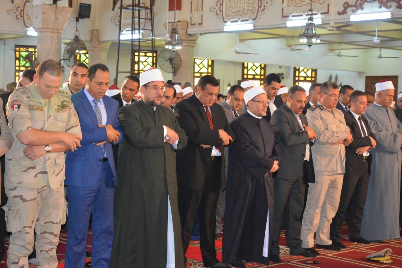 وزير الأوقاف خلال صلاة الجمعة