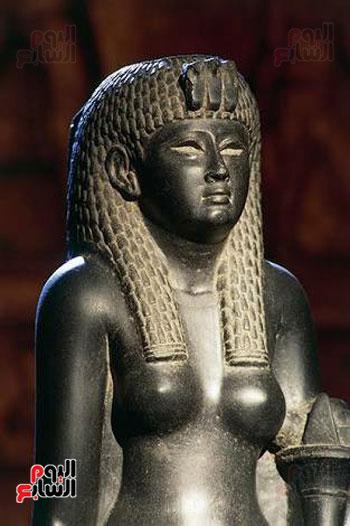 الملكة-القوية-تاوسرت-تظهر-للسائحين-لأول-مرة-منذ-آلاف-السنين-بالأقصر-(9)