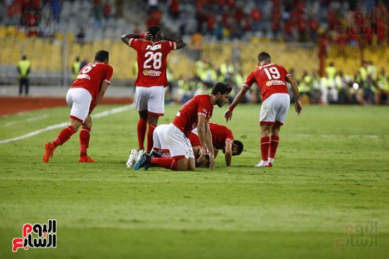 لاعبو الاهلى يسجدون بعد هدف فى مرمى الزمالك