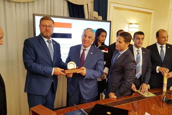 كوناستنتين-كوزاتشيف-رئيس-لجنة-الشئون-الخارجية-بمجلس-الاتحاد-وأعضاء-اللجنI