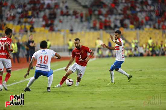 محمد مجدي قفشة يتخطى لاعبي الزمالك