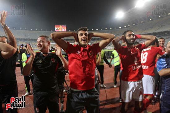 احتفال لاعبي الأهلي على طريقة مؤمن زكريا (4)
