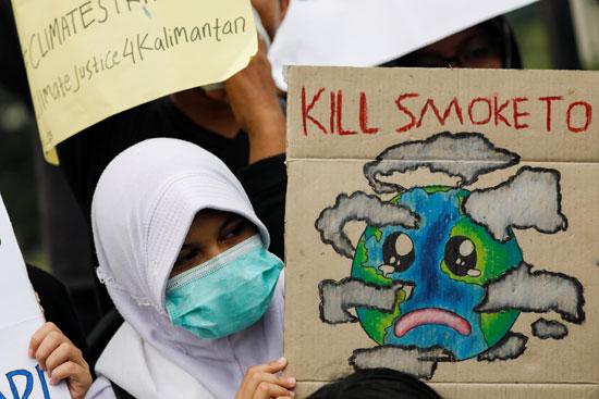 جانب من التظاهرات بإندونيسيا
