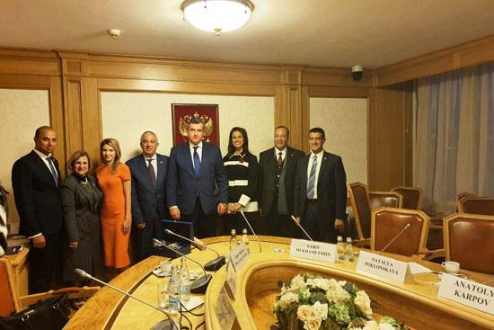 سلوتسكي-رئيس-لجنة-الشئون-الخارجية-بمجلس-الدوما-الروسي-وأعضاء-اللجنة