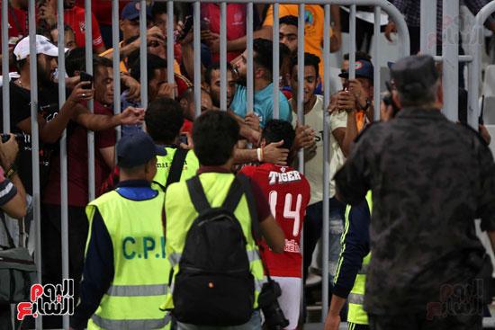 حسين الشحات مع جماهير الأهلي