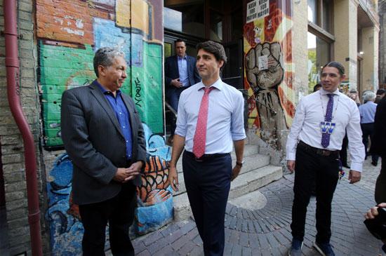 رئيس-الوزراء-الكندى