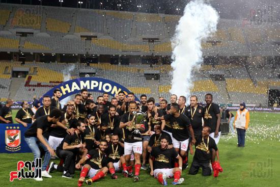 فرحة لاعبي الأهلي بالسوبر المصري (7)