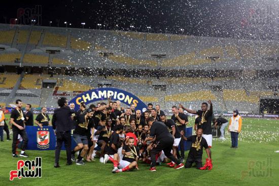 فرحة لاعبي الأهلي بالسوبر المصري (6)