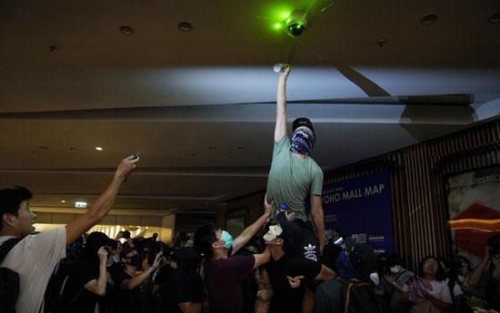 2019-09-21T145016Z_859737478_RC1BF47C8710_RTRMADP_3_HONGKONG-PROTESTS