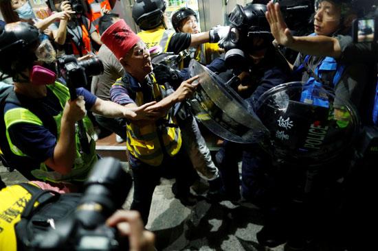 اشتباكات خلال المظاهرات