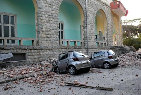 الأضرار جراء الزلزال