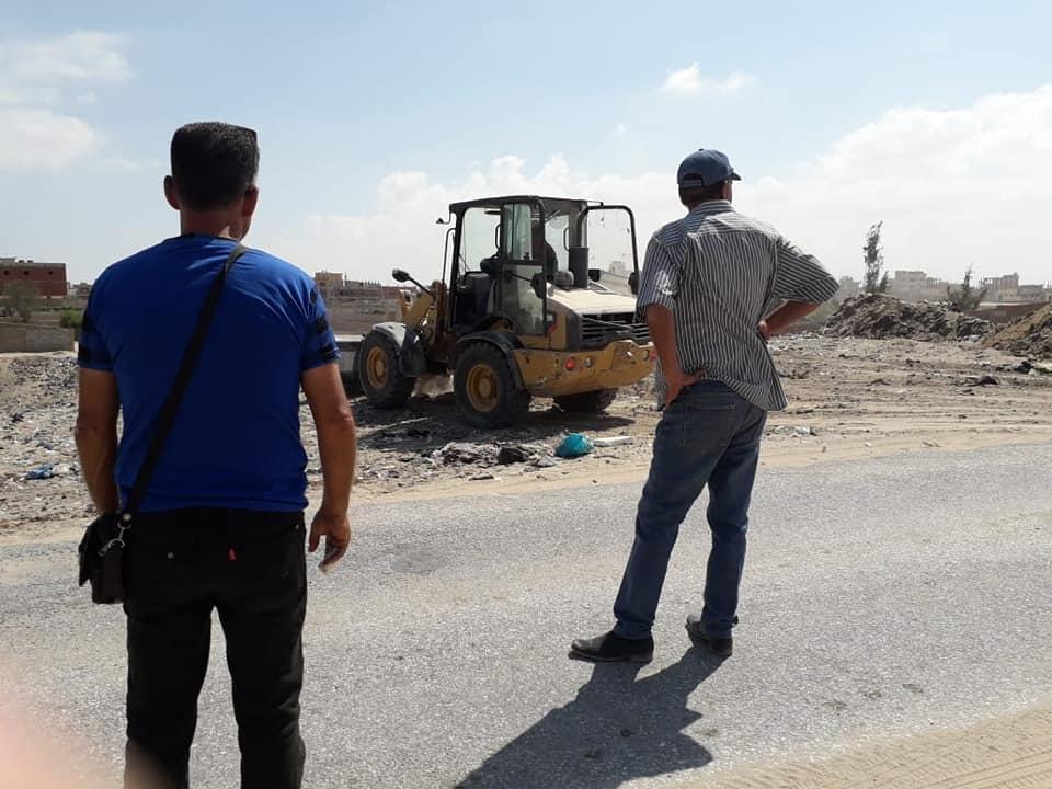 رفع المخلفات من شوارع مدينة العريش