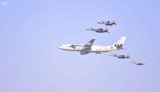 طائرات-فى-سماء-المملكة-احتفالا-بالعيد-الوطنى
