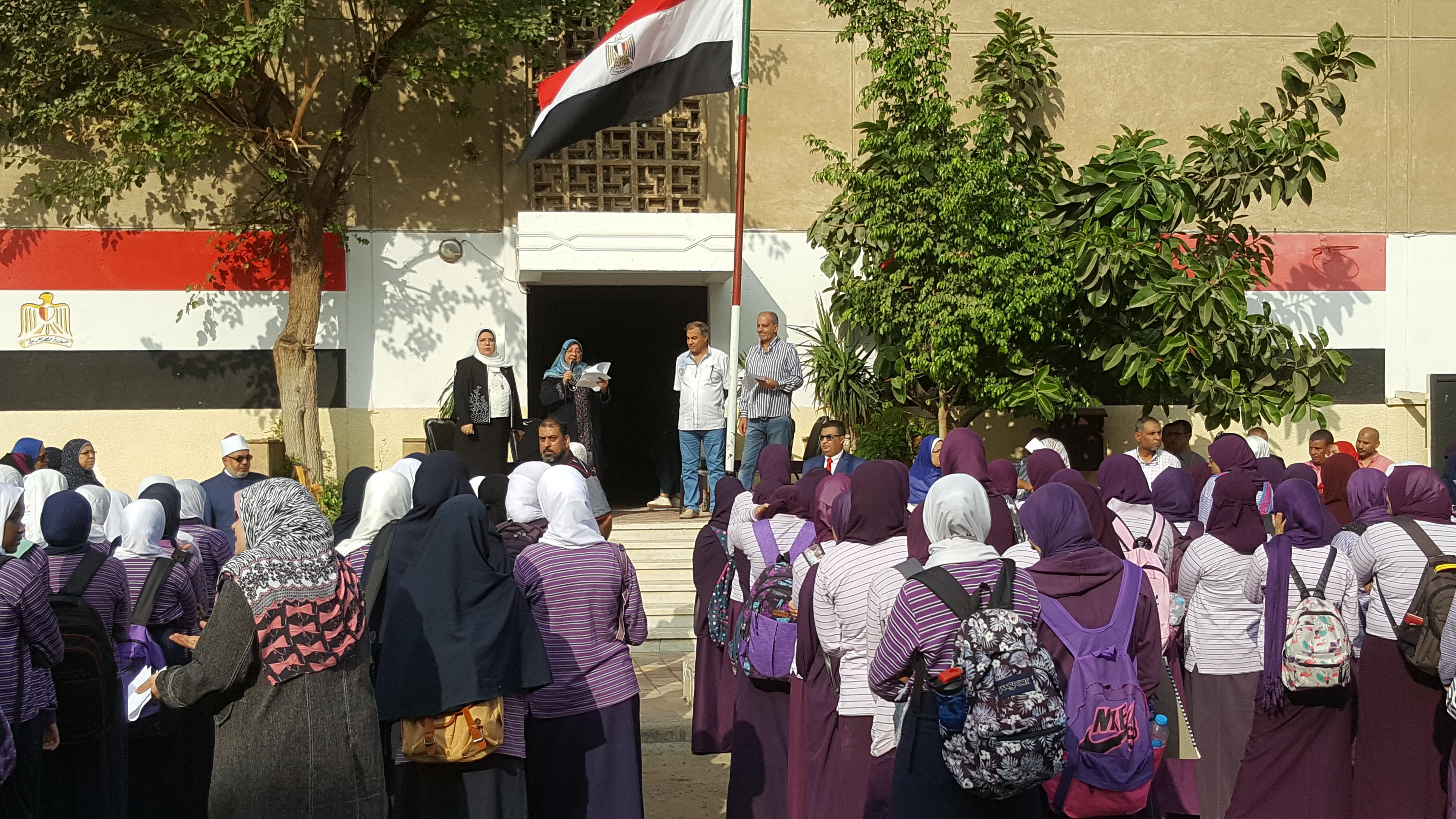 طالبات المرحلة الثانوية بمعهد فتيات مدينة نصر