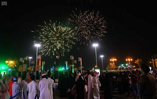 سعوديون-من-مختلف-محافظات-المملكة-يحتفلون-باليوم-الوطنى