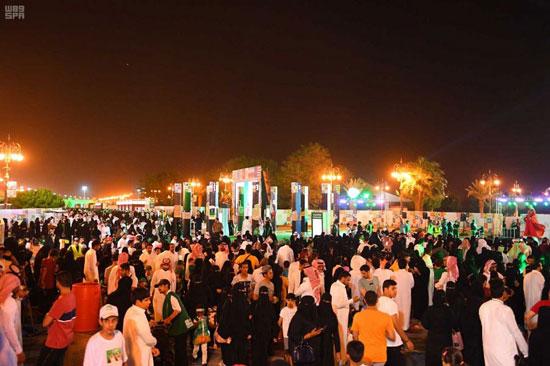سعوديون-يحتفلون-باليوم-الوطنى-للمملكة