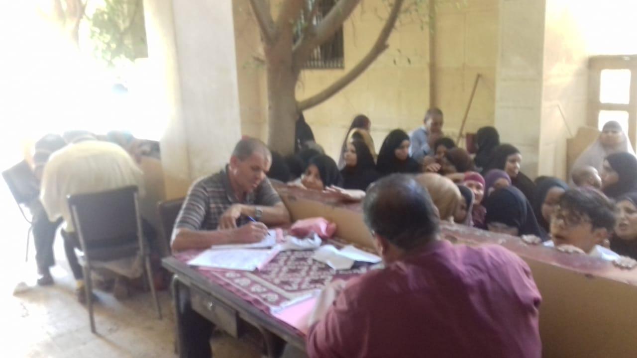 تسجيل المرضي بقافلة قرية الجعافرة