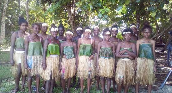 فتيات-فى-جزيرة-سليمان-تشاركن-فى-التظاهر