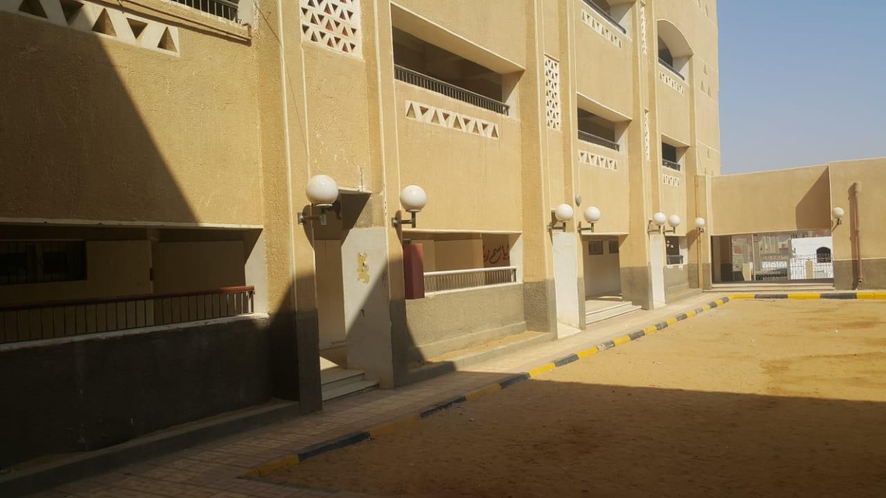فناء المدرسة بمدينة سوهاج الجديدة