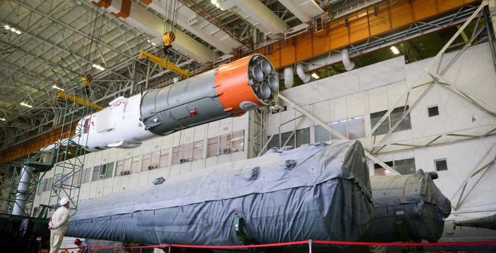 الصاروخ الذى سيحمل مركبة الفضاء