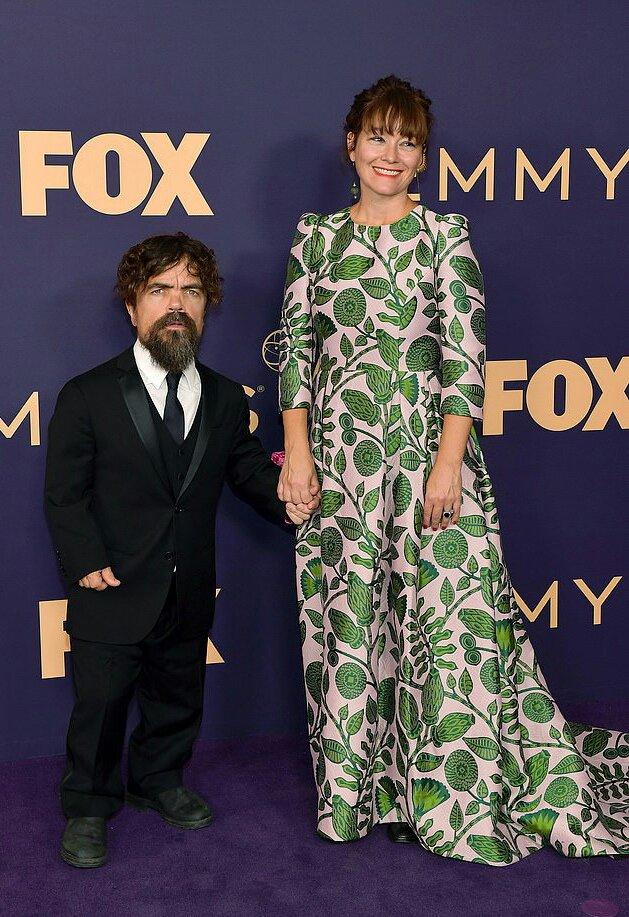 بيتر دينكلاج وزوجته