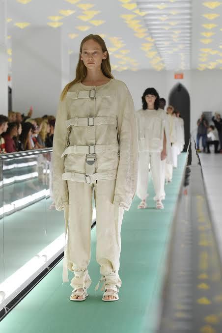 عرض أزياء جوتشى (6)