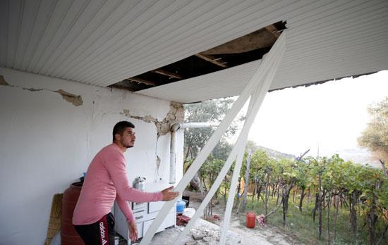 سقف منزل تضرر