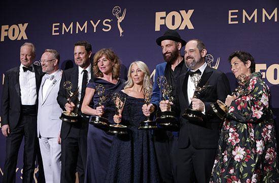 صورة جماعية لأبطال جوائز الايمى