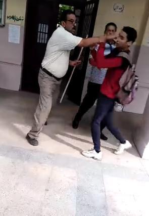 معلم يعتدى على طالب