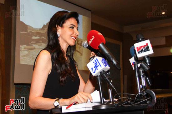 حفل توقيع كتاب أسرار مصر لزاهى حواس (7)