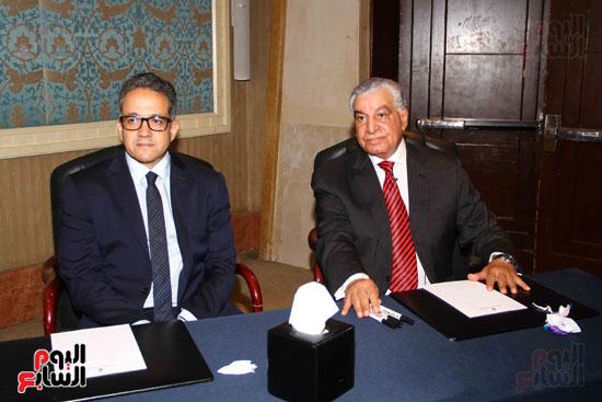 حفل توقيع كتاب أسرار مصر لزاهى حواس (8)
