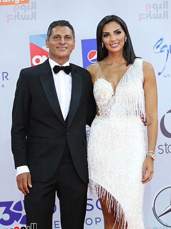 عمرو-منسى-وزوجته