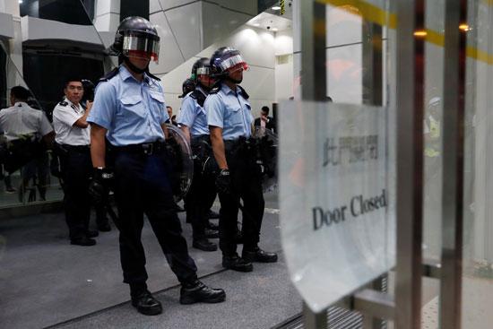 41844-شرطة-هونج-كونج