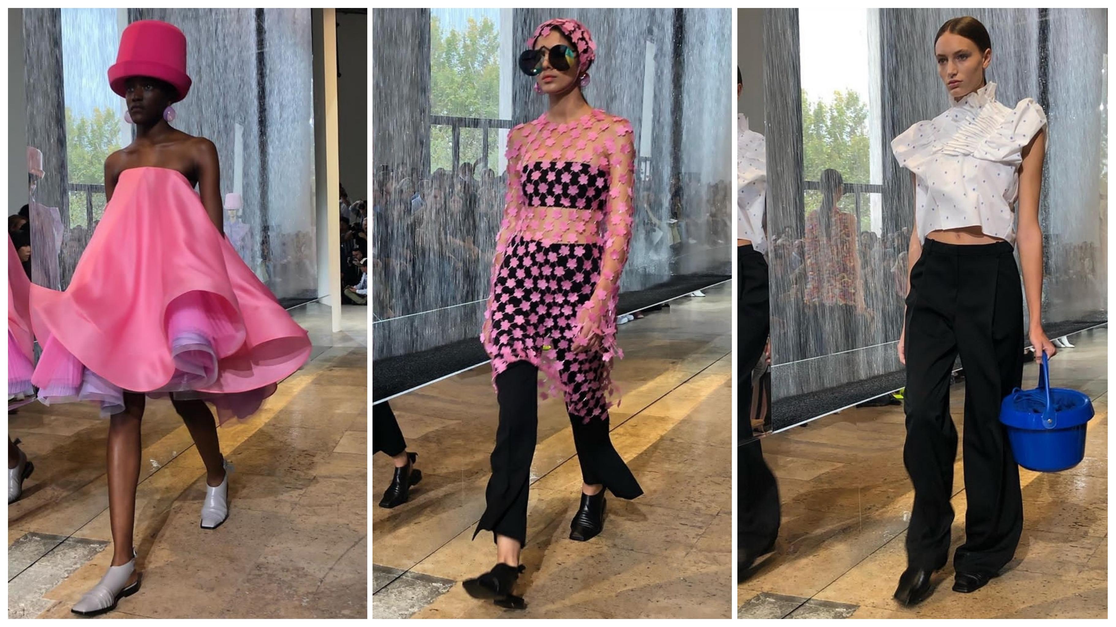 عارضات الأزياء وسط المدرج الشعبية بالمطر