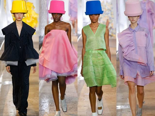 عارضات الأزياء