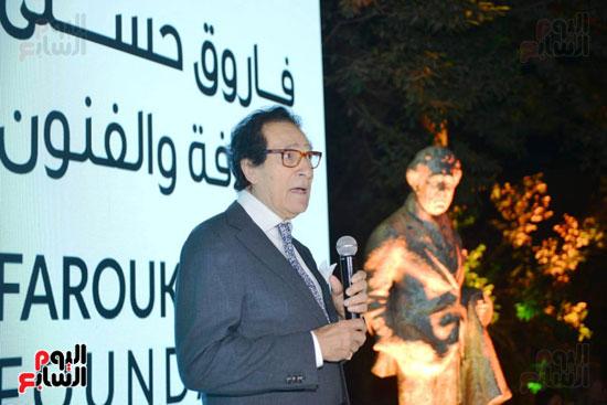الفنان فاروق حسنى فى متحفه