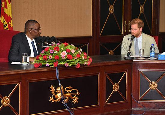 اجتماع الأمير هارى مع رئيس مالاوى