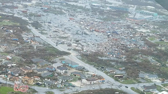 أثار كارثية بسبب الإعصار