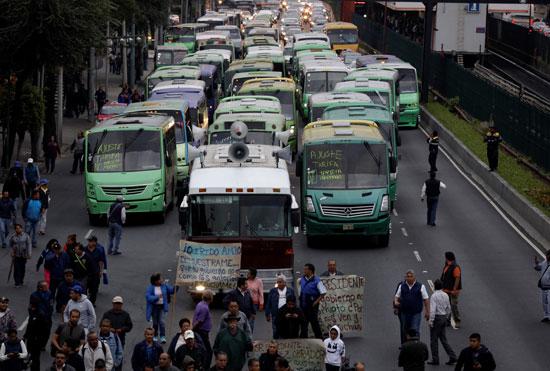 الشلل يصيب شوارع المكسيك بسبب الإضراب