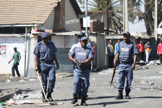 عناصر الشرطة فى جنوب أفريقيا